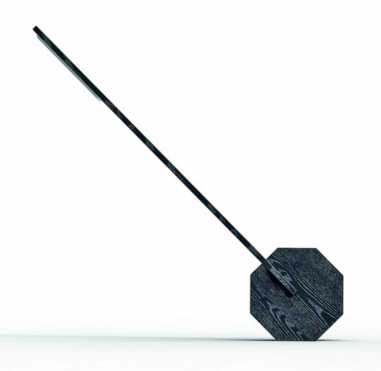 Schwarze Schreibtischlampe aus Holz «Oktagon«.