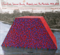 Christo and Jeanne-Claude, Barrels and The Mastaba 1958-2018. Bild 1