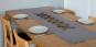 Tischläufer aus Leinen, grau. Bild 1